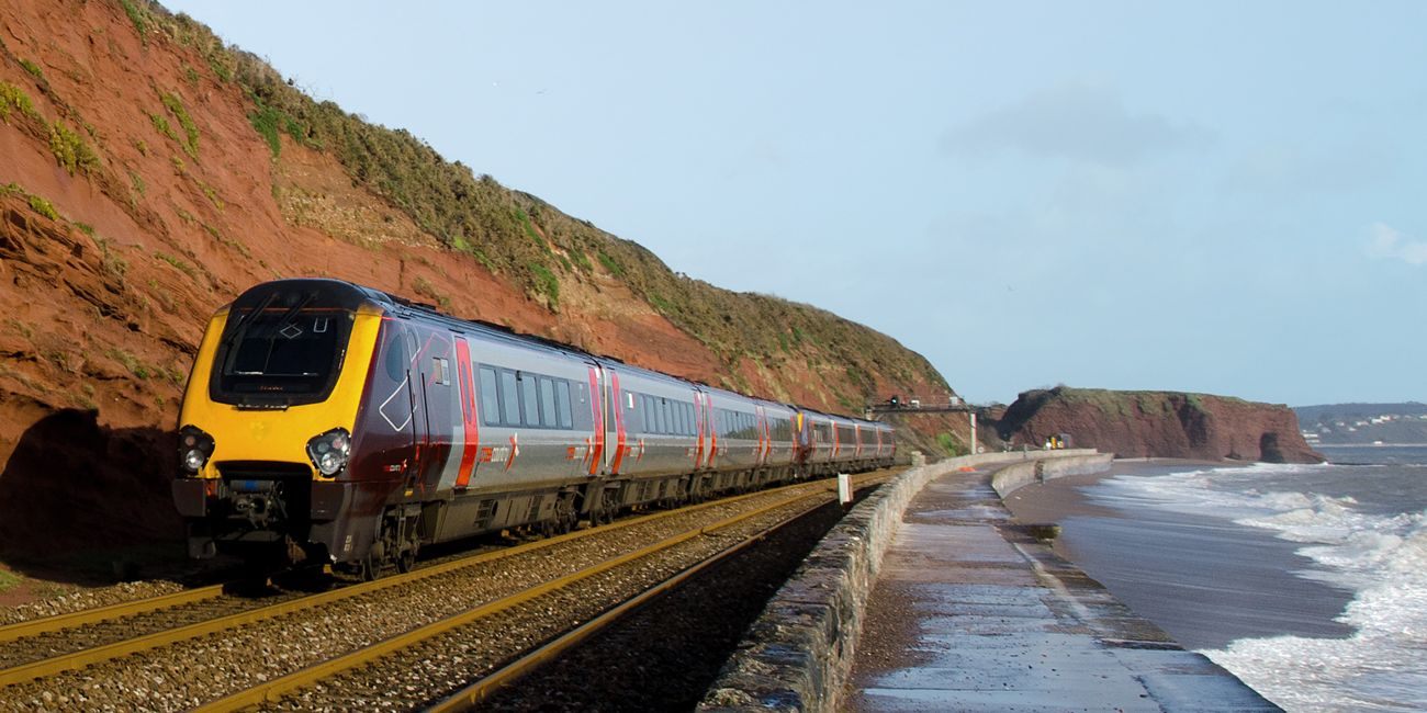 IMG_UK_Infrastructure_Can_We_Cope_With_Flooding_Dawlish_Train