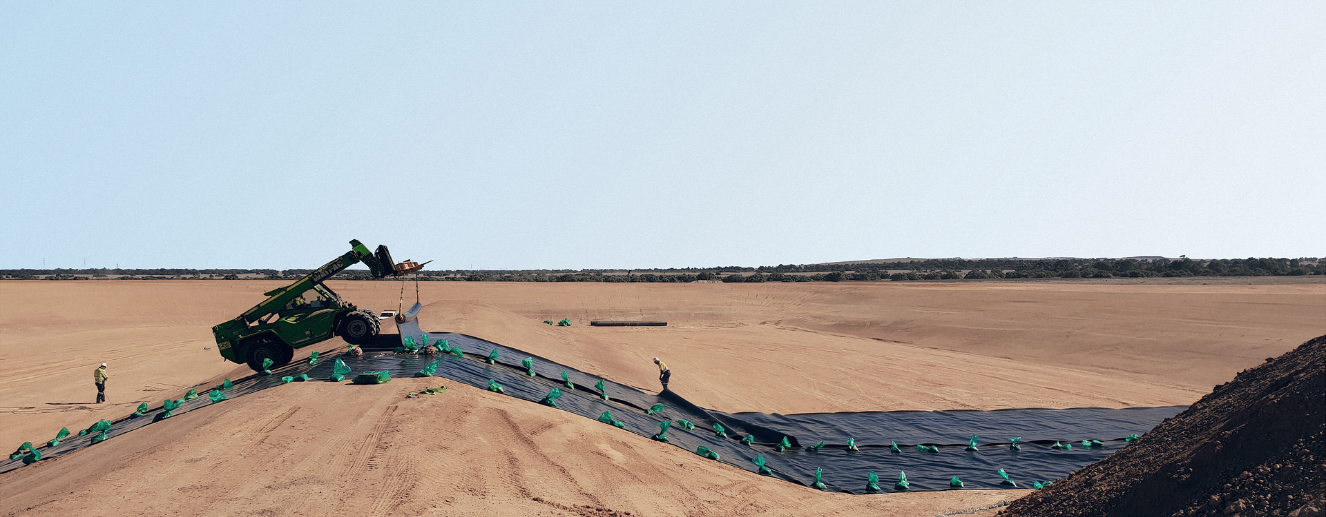 bnr-iluka-cataby-mineral-sands-forklift