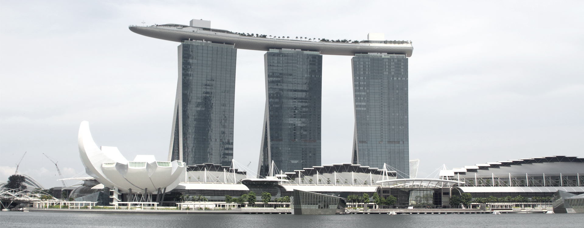 Engineering Marina Bay Sands Resorts- Exterior view-Façades