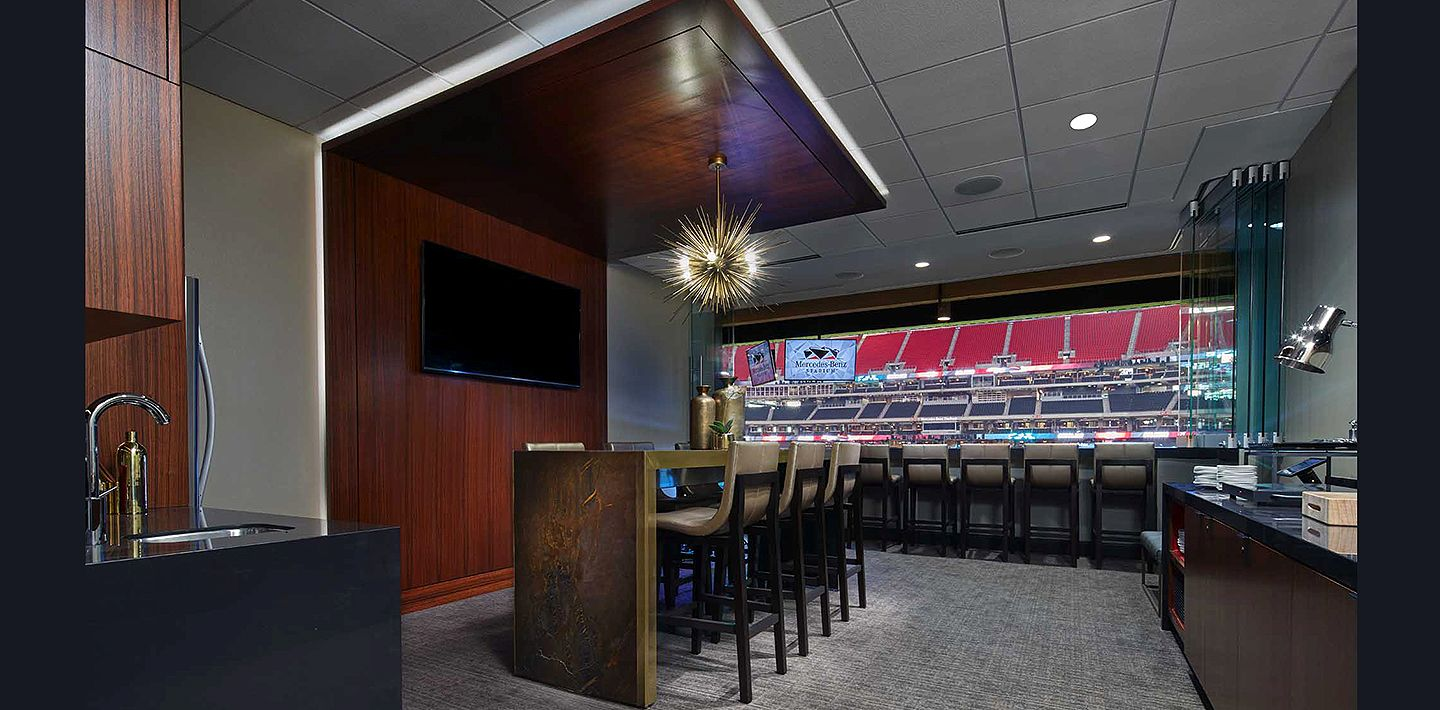 IMG-7-mercedes-benz-stadium-suite