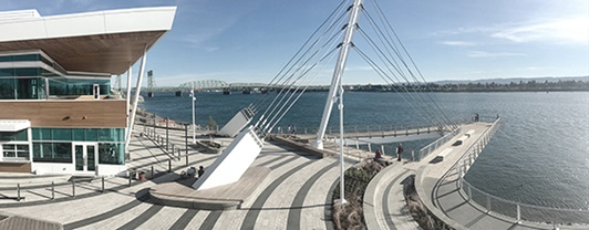 Outdoor view of Vancouver Waterfront Park overlooking the Columbia River between Washington and Oregon